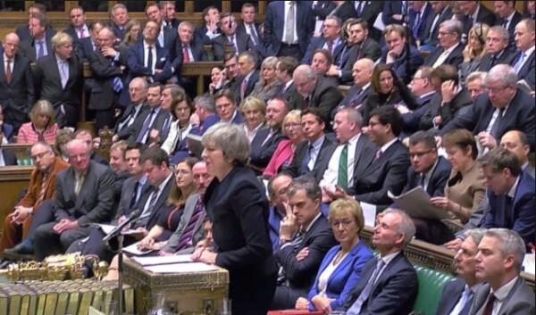ブレグジット EU離脱 株 影響 メイ首相